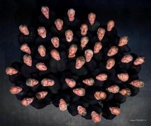 SKIENS MANNSSANG II UT )C)TOM RIIS3